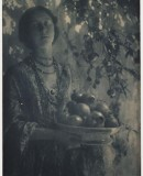 Minna Keene. <em>Decorative Study No. 1, Pomegranates</em>, 1906. Carbon Print © Royal Photographic Society / National Media Museum/ Science & Society Picture Library